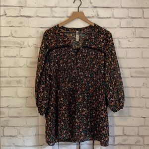 American Rag floral tunic style top